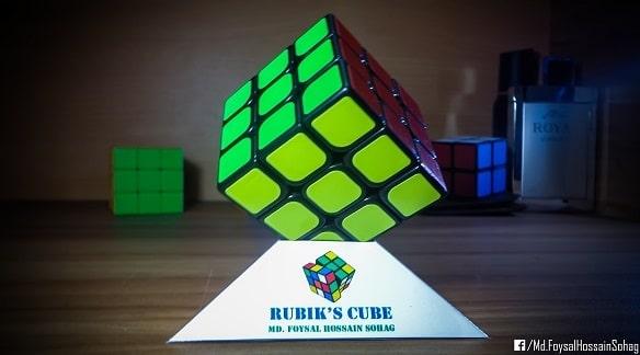 Rubik's Cube Stand